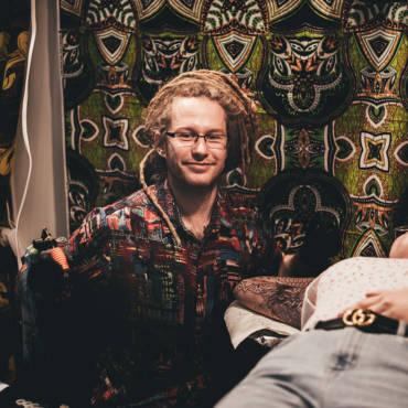 Krzysiek Krajewski (Nice and Easy Tattoo)